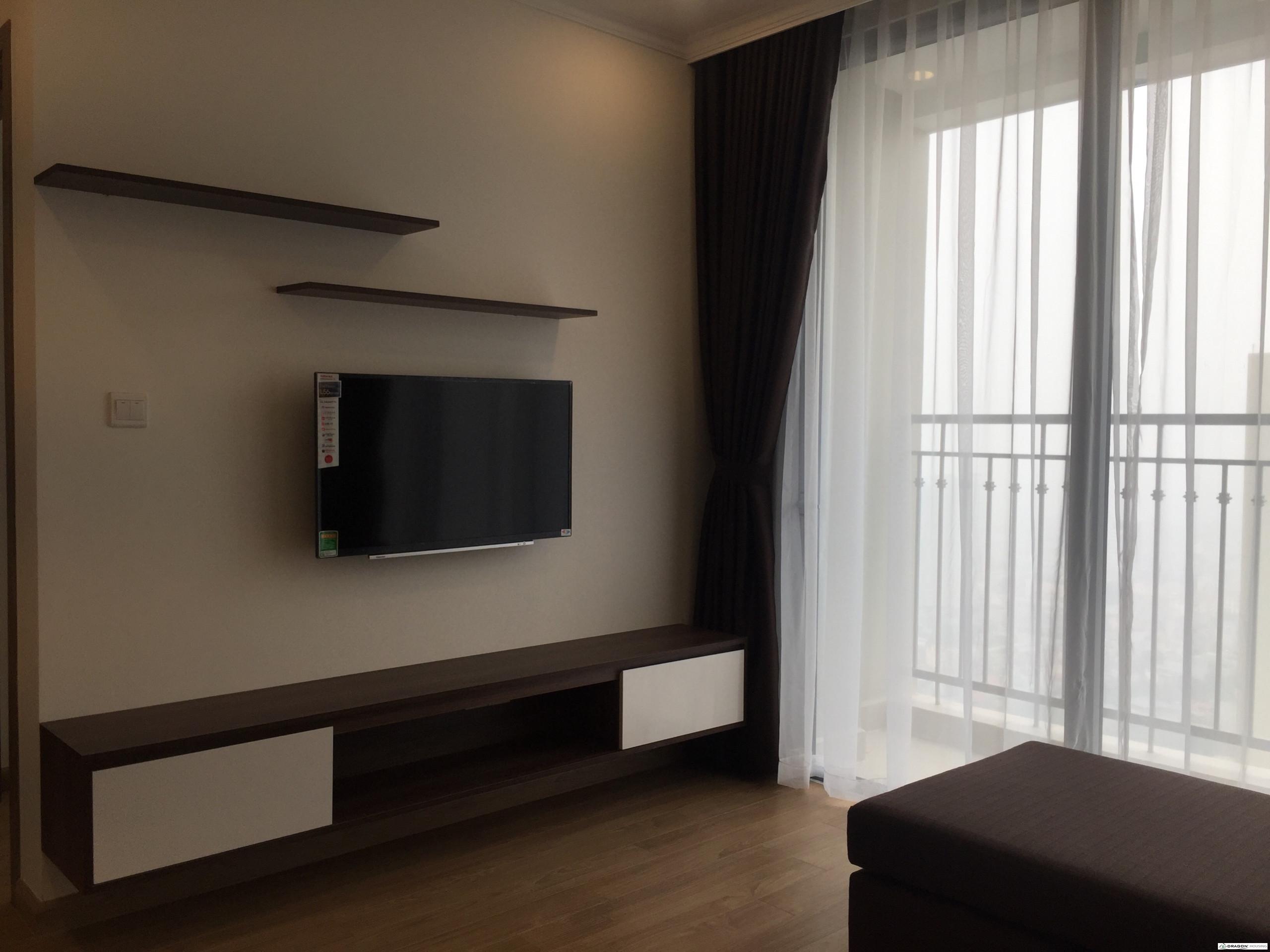 2. Smart TV